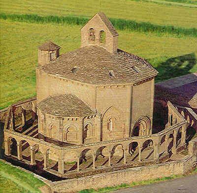 Iglesia Templaria Eunate en Navarra  Observando la misma forma octogonal de las fortalezas construidas en esta época