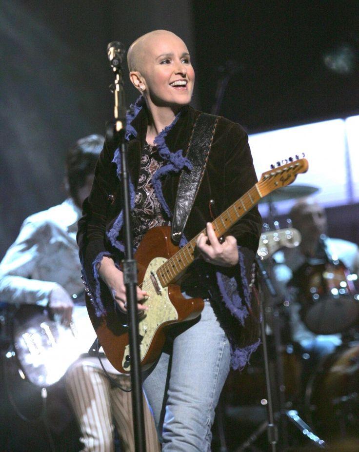 Melissa Etheridge | GRAMMY.com: Breast Cancer, Etheridg Continuing, Baldisbeauti Beboldbebald, Bald Women Cancer, Etheridg Performing, My Heart, Awareness, Melissa D'Arabian, Ethridg Performing
