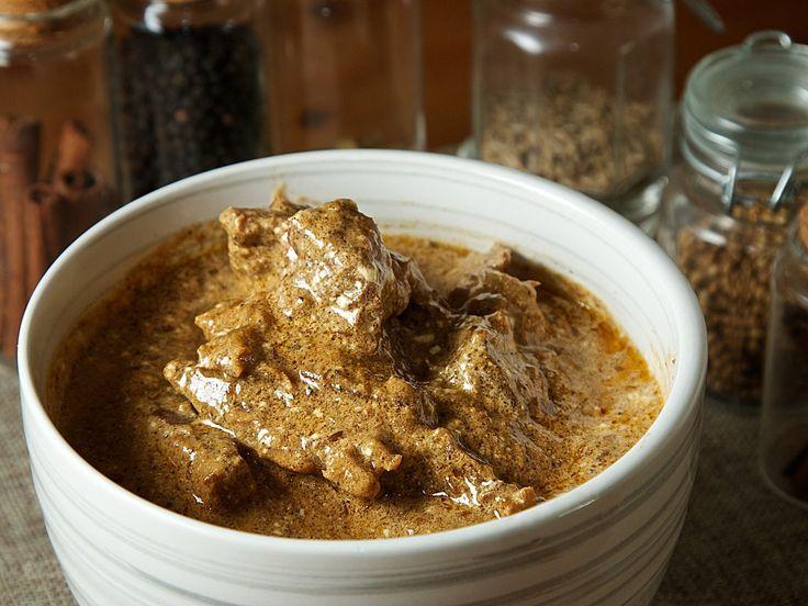 シャヒ・コルマ - 優しくスパイス香るラムカレーは、クリームを使った上品なコクとまろやかな味わい