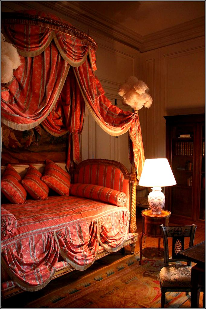 606 best romantic canopy beds images on pinterest beautiful bedrooms canopy beds and 3 4 beds. Black Bedroom Furniture Sets. Home Design Ideas