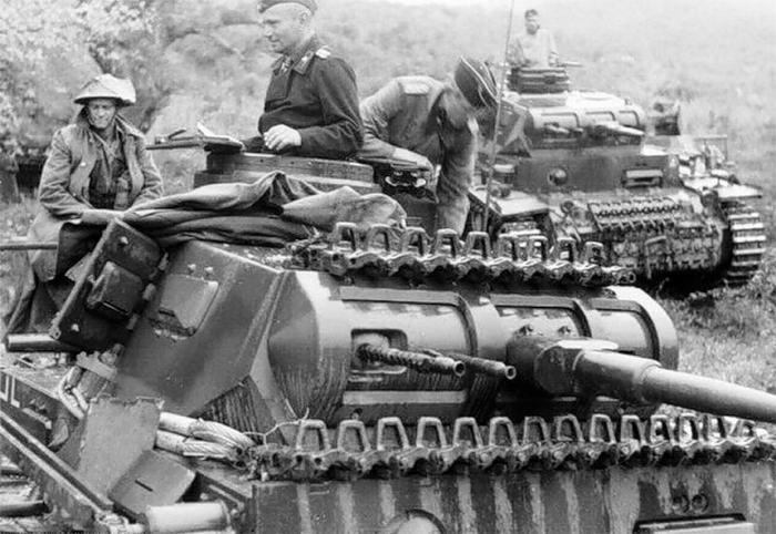 Crónica fotográfica de la Segunda Guerra Mundial 12416 - Maldito Insolente
