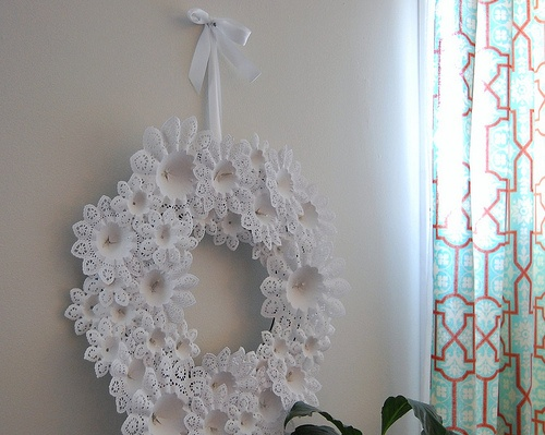 Christmas Craft Ideas With Paper Doilies : Paper doily wreath diy and crafts