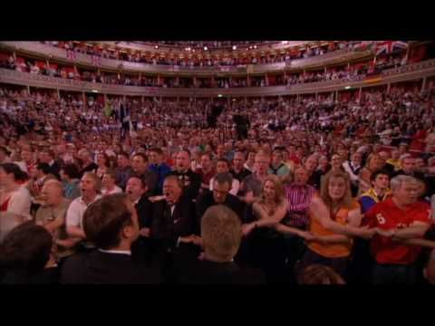 """Land of Hope & Glory"" & ""Auld Lang Syne"" (BBC Last Night Of The Proms 2010) - YouTube"