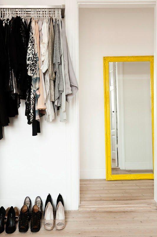 Большие напольные зеркала в интерьере