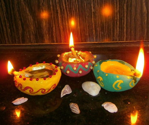 Handmade Decorative Diya (Oil Lamps) #decoration #lighting