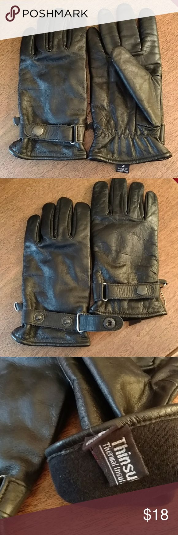 Thinsulate black leather ladies gloves Black leather, fully lined gloves are adjustable at the wrist with button snaps. Gently used, no wear marks, no holes, hook and ring keeps both gloves together. Thinsulate lining Accessories Gloves & Mittens