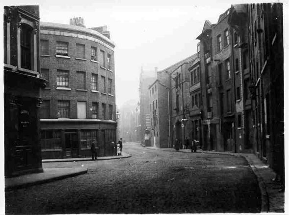 Wapping High St, looking east