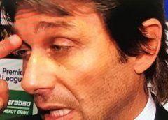 """Conte:""""Titolo dedicato alla mia famiglia"""" antonio conte subito dopom la vittoria della premier league ha ringraziato la sua famiglia per essergli stati vicini in questi mesi. il tecnico italiano del chelsea pensa di essere arrivato a Londra  #conte #chelsea #news #sport #calcio"""