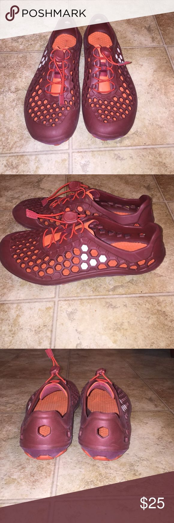 Vivobarefoot Wet/Dry Shoes Must haves for your next boating trip or tropical vacation! Move easily between wet and dry environments. These have only been worn once for a trip to Costa Rica and they were fabulous! I got another pair in a brighter color! Vivobarefoot Shoes Sandals