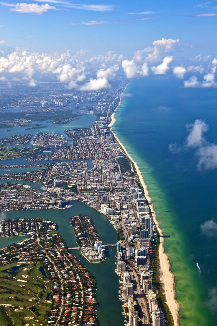 See all the 'must-see' sights in #Miami on this 60-minute fully guided Grand Air Tour.
