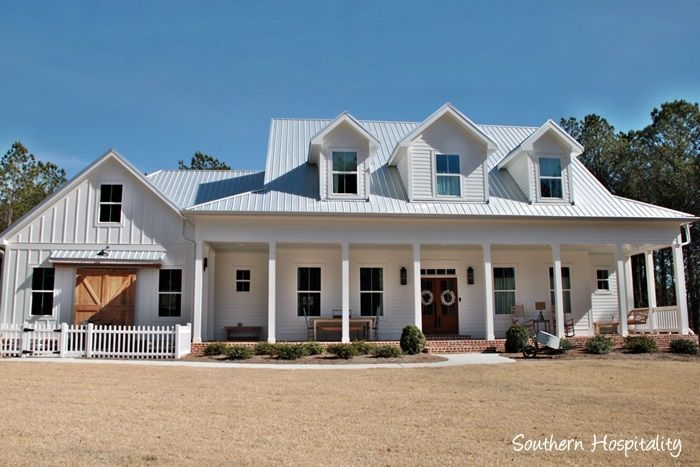 Tour a gorgeous newly built modern farmhouse in North Atlanta.  #farmhouse