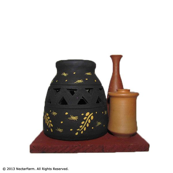 Handmade, Clay & Terracotta Gift Articles.  Construction and material: Clay Crafted and painted individually by hand Treated at high temperatures for durability