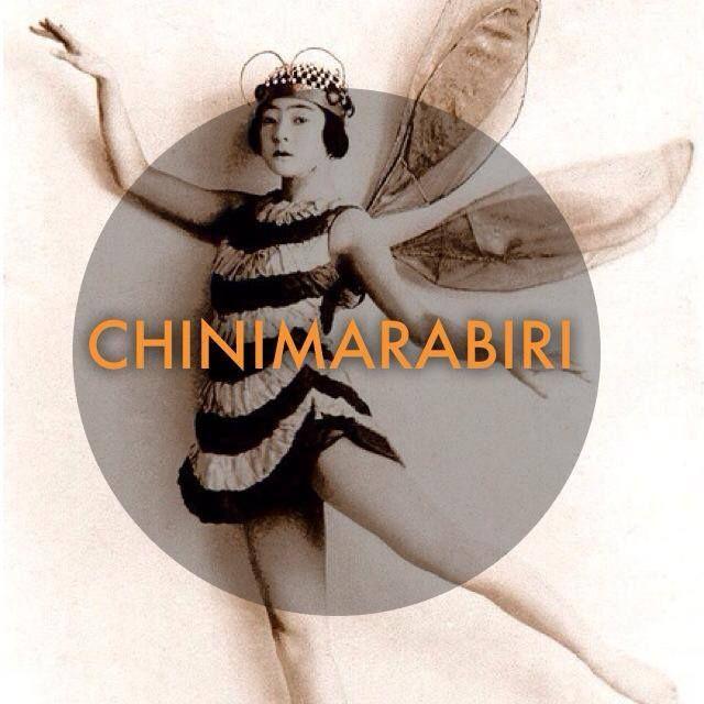 Chini mara biri.....letteralmente , per carità chi mi vedrà ? (vestita o truccata così )