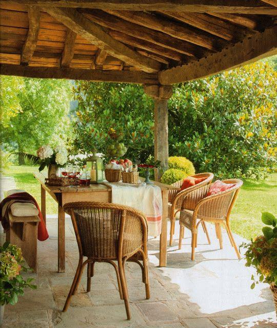 M s de 25 ideas fant sticas sobre muebles rusticos - Porches de casas de campo ...