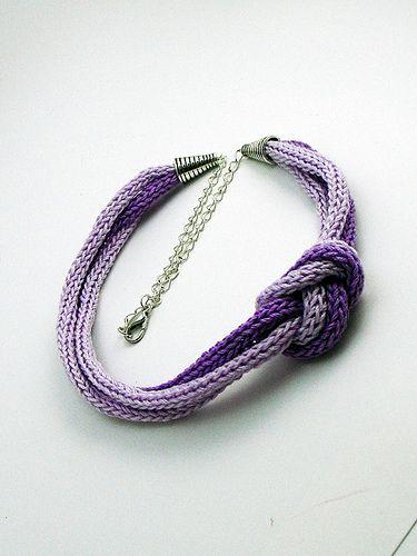 Braccialetto lilla tricotin