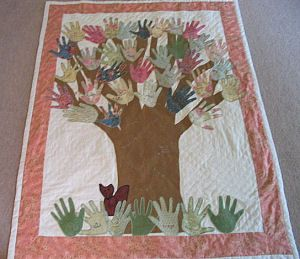 Class handprint quilt300 259 Pixel, Teachers Gift, Gift Ideas, Mrs Smiths Quilt Jpg 300 259, Families Trees, Class Handprint, Church Families, Classroom Teachers, Hands Prints Quilt