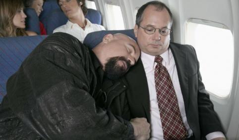 Lange vluchten: 7 tips om prinsheerlijk te slapen