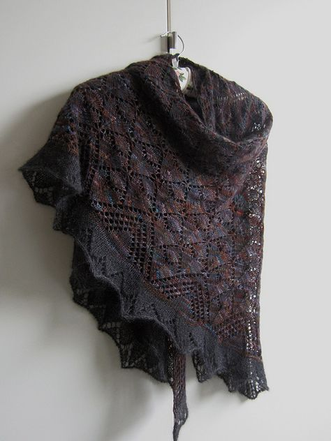 Knit Lace Shawl - Morrigan FREE Ravelry Pattern