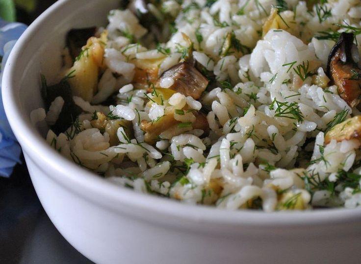 Yazın sevilen sebzesi patlıcanla leziz bir pilav hazırlamak ister misiniz? İşte tarifi...