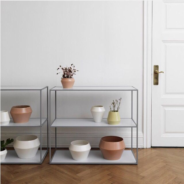 The clean minimal lines of the Twin Bookcase with flowerpots and vases from our Rimm collection. Both new Spring/Summer '16 additions are on display at our Concept Store in Holbergsgade 20. Pop down today if you are in Copenhagen and would like to check them out. #bylassen #bylassenss16 #bylassentwinbookcase #twinbookcase #bookcase #bylassenrimm #rimmvase #rimmflowerpot #bylassenss16 #danishdesign #scandinaviandesign #nordicdesign