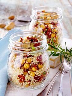 Quinoa-Salat mit getrockneten Tomaten