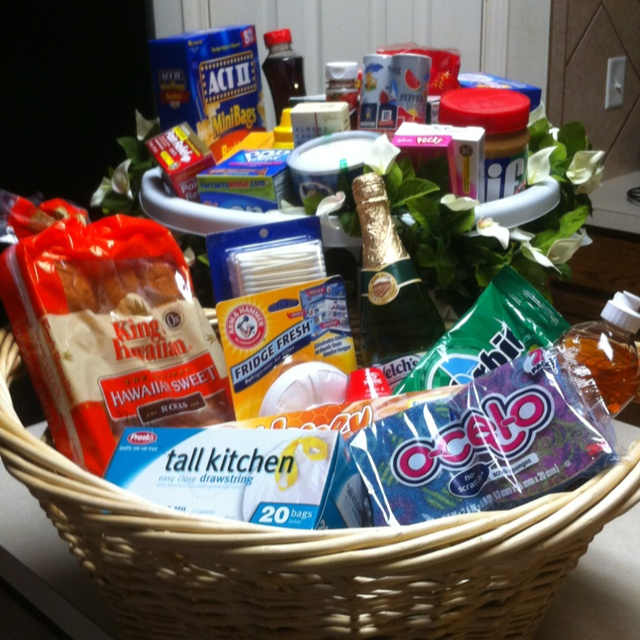 Have a friend #moving into a new apartment? Gift them a starters basket filled with necessary goodies!