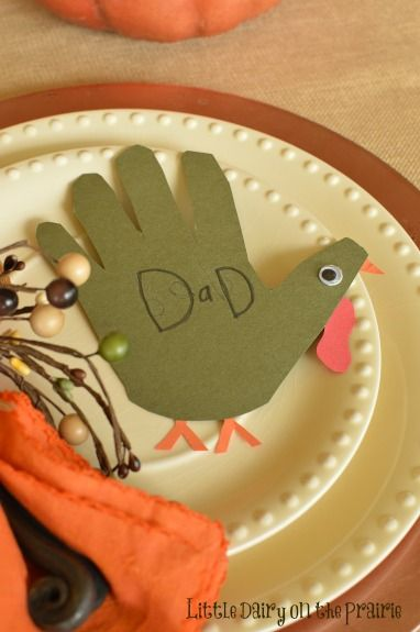 Turkey place cards are simple and quick to make. The kids are so proud to help! Grandma loves them too! www.littledairyontheprairie.com