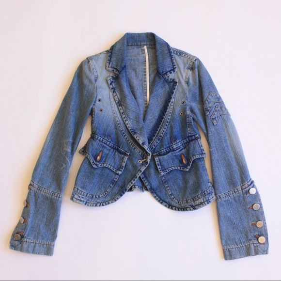 DSquared Jean Jacket Required Jean Jacket with front hook. Flares from waist. No trades. Reasonable offers accepted. Dsquared Jackets & Coats Jean Jackets