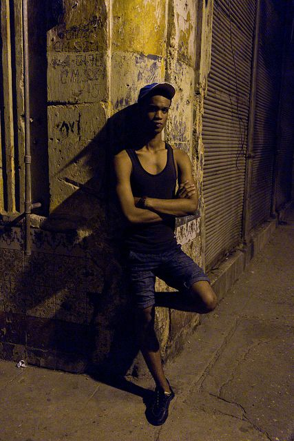 "© Santiago Escobar-Jaramillo, ""Esquina CALIente 2"" de la serie 'P-i-p-o-s', La Habana y Guanabo Cuba, 2013 #BAC #fotografia #contemporanea #contemporary #photography  #art #arte #bogota #cuba"