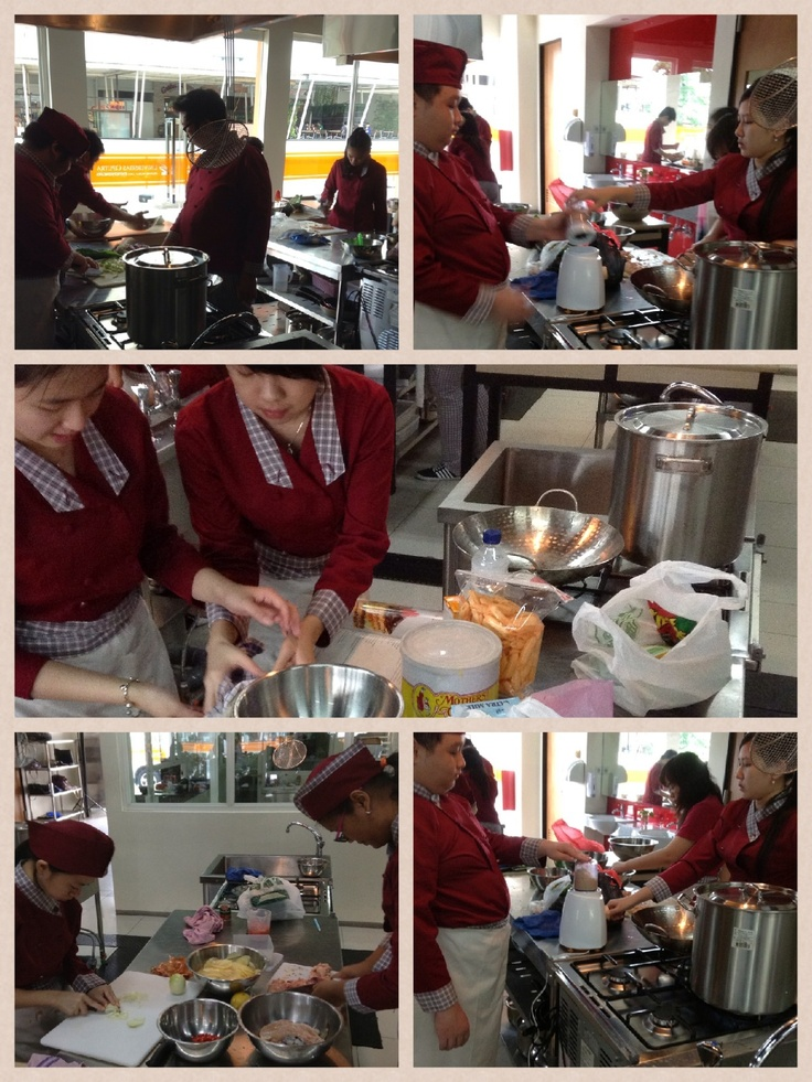 Praktek memasak mahasiswa Culinary Business #universitasciputra