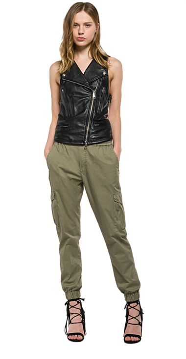 Leather vest with asymmetric fastening