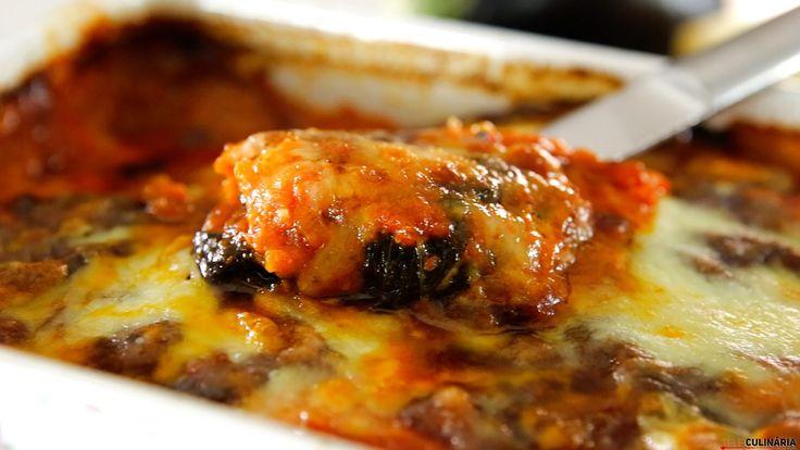 Receita de Beringelas à parmegiana. Descubra como cozinhar Beringelas à parmegiana de maneira prática e deliciosa!