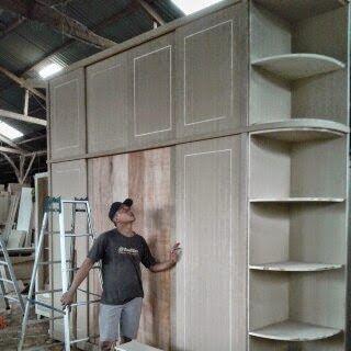 furniture minimalis: lemari susun
