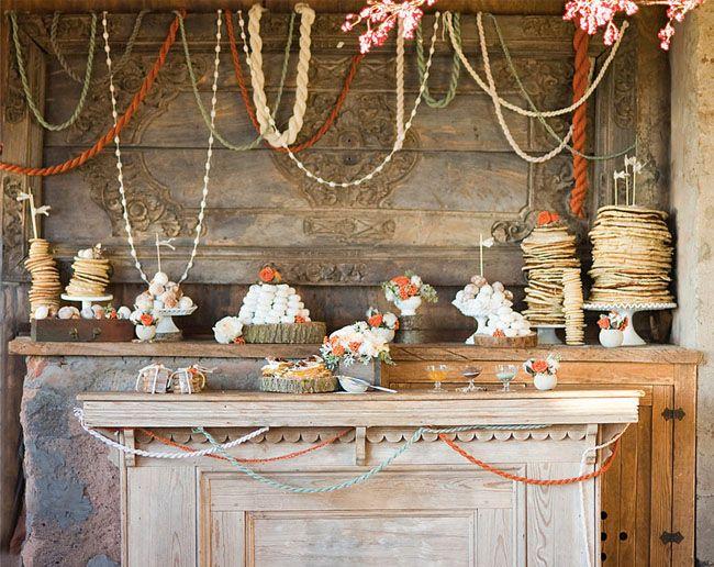 yarn garland.: Dessert Tables, Decor, Yarn Garland, Wedding Ideas, Yarns, Winter Wedding, Garlands, Party Ideas