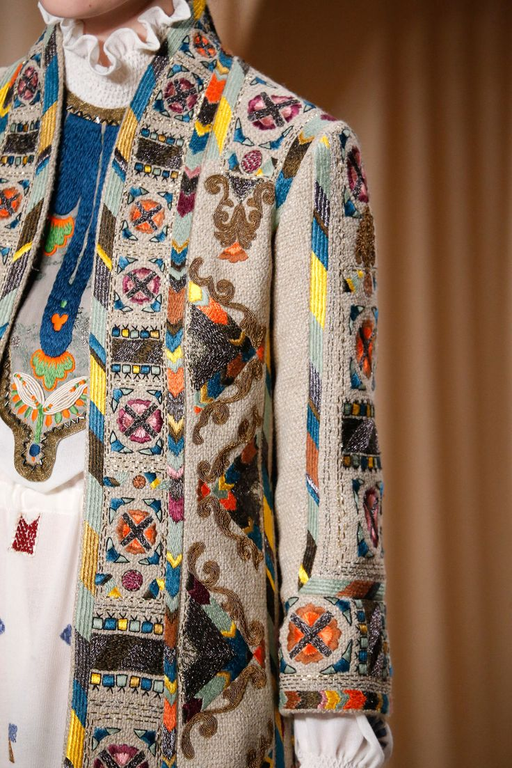 Valentino Spring 2015 Couture Collection Fashion Show Details–