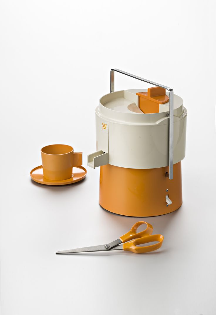 The first prototype of Fiskars Orange-Handled Scissors used the leftover dye from an orange juicer and other plastic housewares products. A final board vote of 9 to 7 decided on orange over black, and an icon was born.