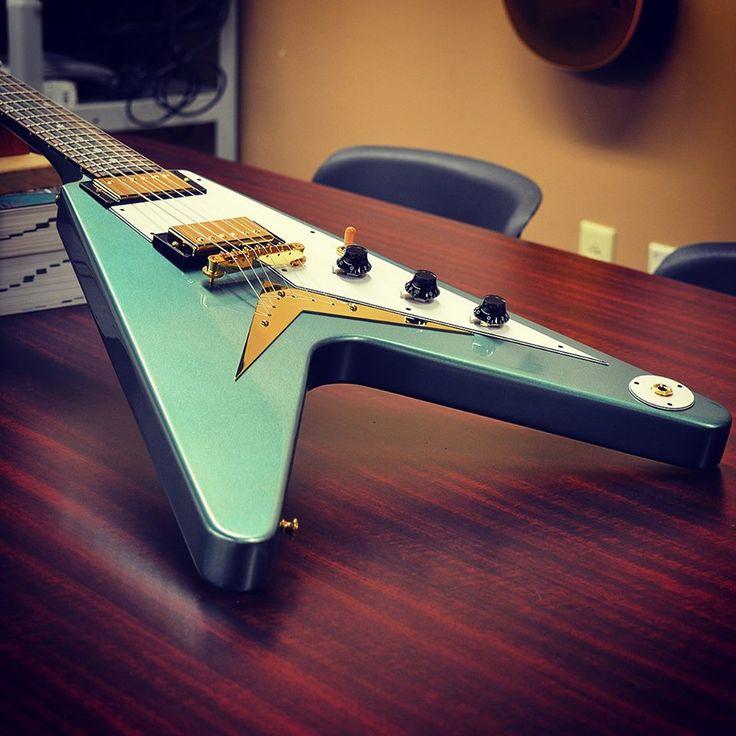 #Gibson '59 style Flying V in Antique Pelham Blue