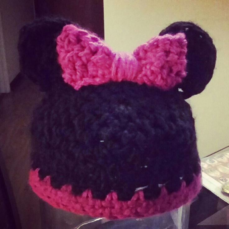 Minnie crochet hat