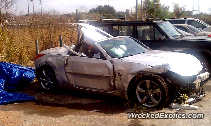 Nissan Z-Series 350Z crashed in Indian Rock Beach, Florida