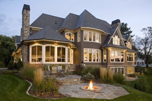Huge house. But I love all the windows and the fire pit!