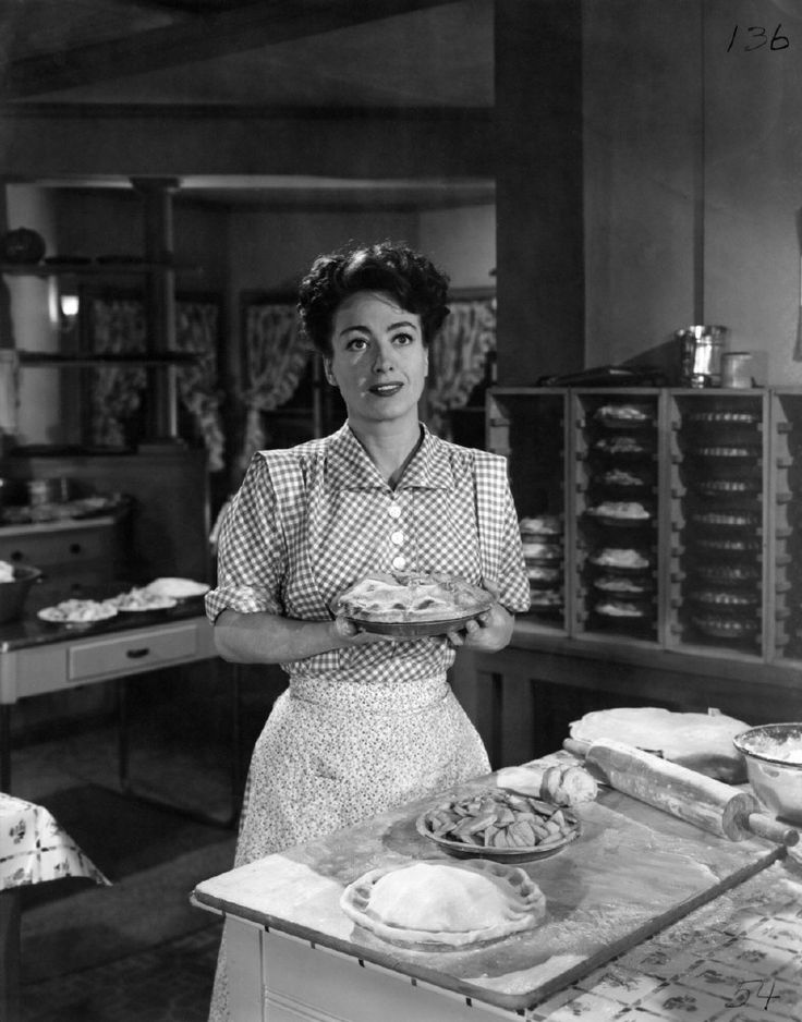 176. Mildred Pierce (1945) Ida: Personally, Veda's convinced me that alligators have the right idea. They eat their young.