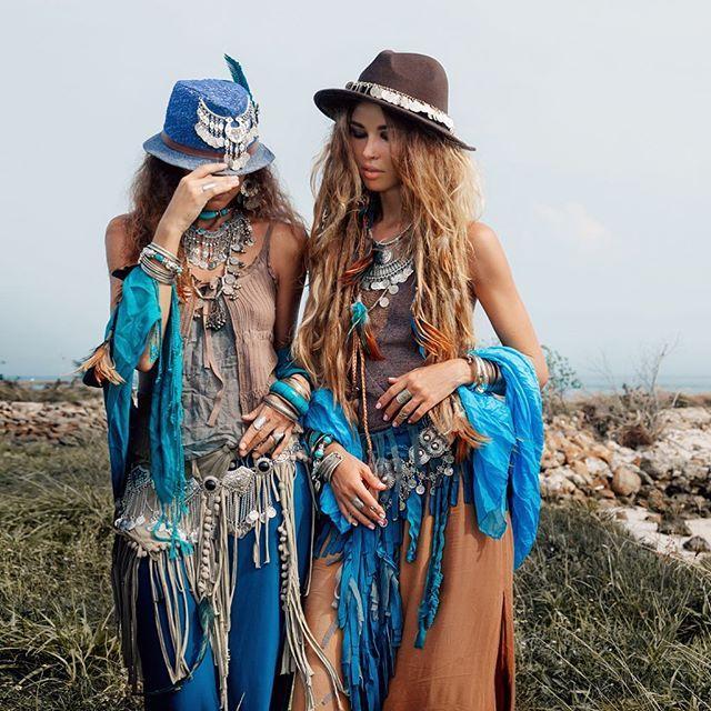 Photo @photophangan style @artphangan #boho#gypsy#hippie#vibes#spirit#beautiful#natural#friends#tribal#jewelry#accessoriesstyle#fashion#model#photoshoot#thailand#kohphangan#summer#dreads#таиланд#панган#фотосессия#цыгане#стиль#украшения#аксессуары#бохо#хиппи#лето