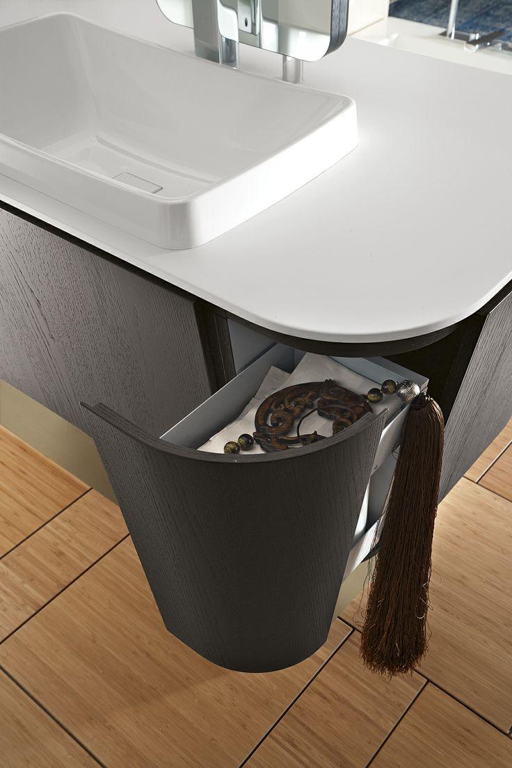 Bagno Suede con finitura legno tinto grigio http://www.cerasa.it/it_IT/bagni/design/suede/arredare-bagni_classici-suede-new-86