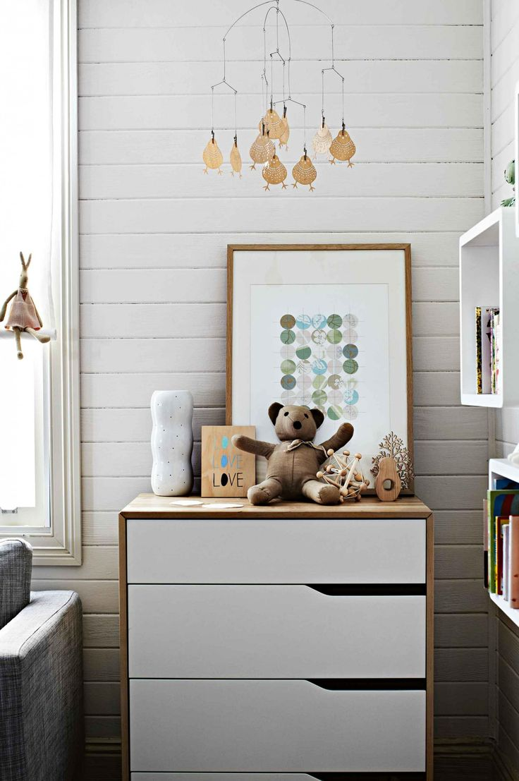 Home tour on insideout.com.au - this cottage belongs to former Inside Out creative director, Tracy Lines. Styling by Lara Hutton. Photography by Sharyn Cairns.