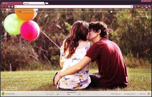Love Couple Kissing Google Chrome Theme