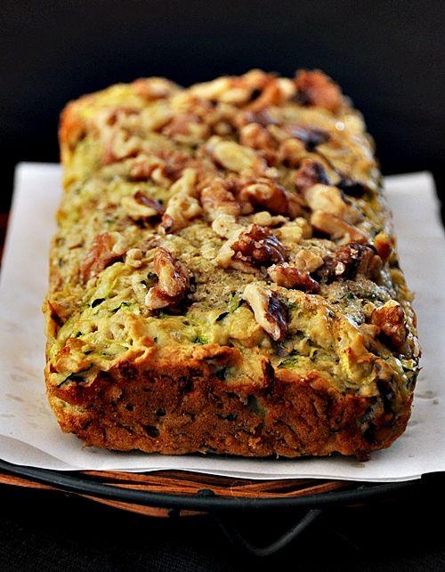 Easy Walnut & Zucchini Loaf: Fun Recipes, Food, Super Easy, Zucchini Loaf, Breads, Easy Recipes, Zucchini Walnut, Easy Walnut