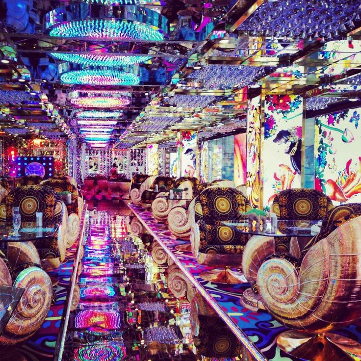 Robot Restaurant – Tokyo, Japan. Theres no way people actually pay attention to what they're eating