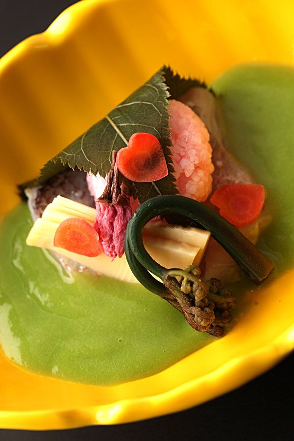 "http://otozure.jp/ https://www.facebook.com/otozure / Japan / Ryokan / Kaiseki / As guest's, you will be fortunate enough to have three delicious restaurant choices- Unyu, traditional Japanese ""Kaiseki"" (multi-course), Zuiun for French food and Choshu where the art of preparing Teppanyaki in front of the diners adds a touch of excitement to one's dining experience"