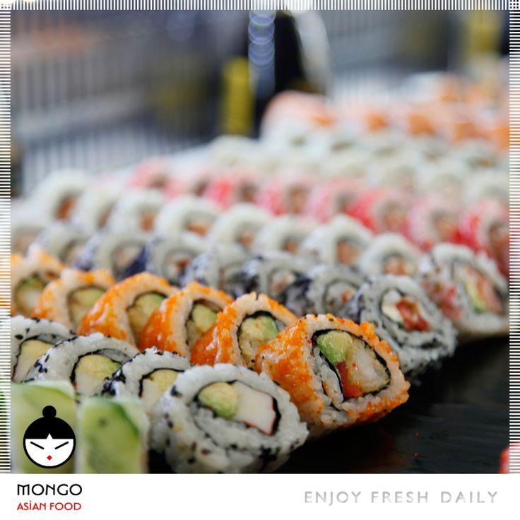 Μοναδικά στη γεύση τους, το καθένα sushi σε προκαλεί να το δοκιμάσεις! Με θαλασσινά... με λαχανικά...συνδυάζουν αρμονικά τη φανταστική γεύση του κάθε υλικού και συνθέτουν ένα κονσέρτο αρμονίας και γεύσης.  Τώρα και στο σπίτι σου μέσα από το Mongo Online Delivery και το www.mongo.gr Mongo Asian Food / enjoy / fresh / daily / [order online: www.mongo.gr]