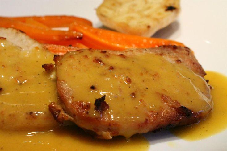 A provence-i karaj a francia konyha kifinomult szószait és a híres dél-francia vidék, Provence ízeit egyszerre tartalmazza.